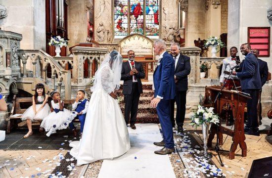cérémonie religieuse lors d'un mariage
